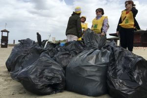 Volontari di Legambiente nell'edizione 2016