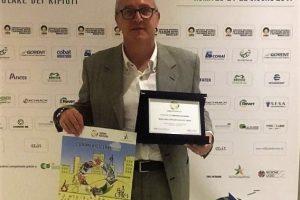 Il sindaco di Capraia e Limite Alessandro Giunti ritira il premio