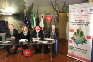 La conferenza stampa nella sede della Regione Toscana