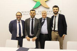 A destra il sindaco di Prato Matteo Biffoni. Alla sua destra il ministro Gian Luca Galletti. (Foto da Ministero dell'Ambiente).