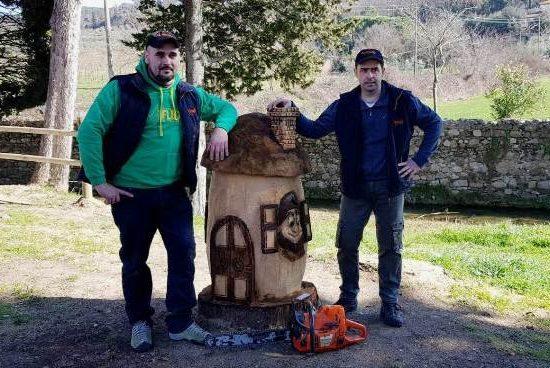 Luca Simoni e Ivan Butelli, gli artisti che hanno realizzato le sculture.