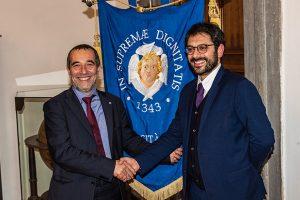 Da sinistra il rettore Paolo Mancarella e il sottosegretario Angelo Tofalo. (Foto da www.unipi.it)