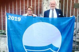 Il sindaco di Castiglione della Pescaia Giancarlo Farnetani e la vicesindaca Elena Nappi