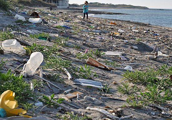 Spiaggia-Plastica