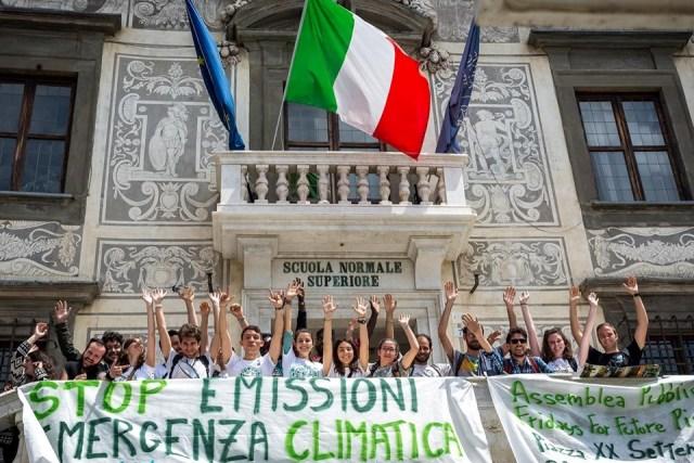 Foto dalla pagina Facebook di Fridays For Future Pisa