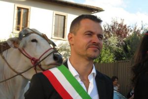 Il sindaco Francesco Casini. (Foto da profilo Facebook).