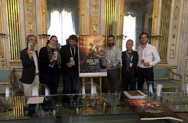 Rossano Ercolini (a sinistra) con gli organizzatori di Lucca Comics & Games
