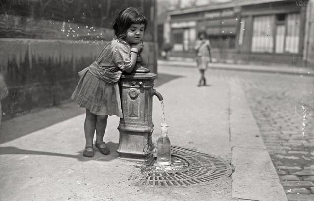 Parigi-bambina
