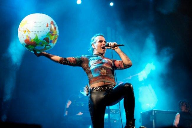 Benvenuti al mondo tour