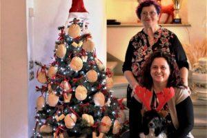 Fernanda Lomi e la volontaria di Legambiente Quarrata Federica Miniatelli