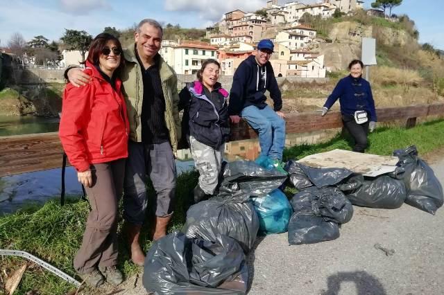 In primo piano la coordinatrice Anna Pancani e l'assessore all'Ambiente Lorenzo Nesi