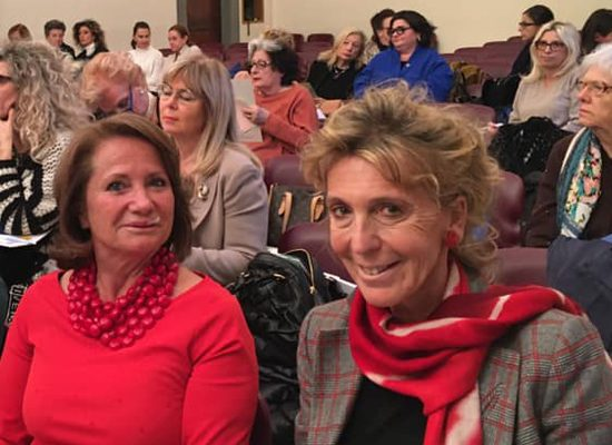 Antonella Giachetti, a destra, il giorno dell' elezione. (Foto da www.facebook.com/AiddaDelegazioneToscana).