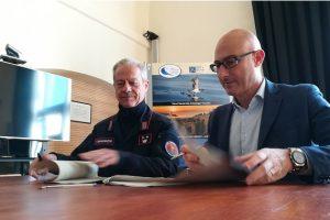 Da sinistra il comandante Marco Pezzotta e il direttore Maurizio Burlando. (foto Parco Nazionale Arcipelago toscano).