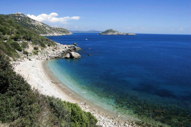 Coronavirus, Legambiente Puglia: 'No a cessioni del litorale libero a privati'