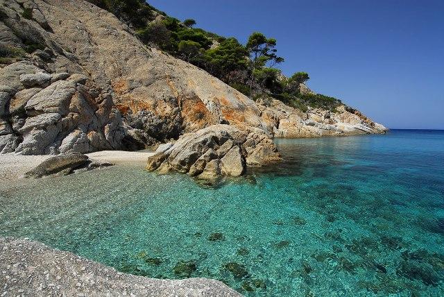 L'isola di Montecristo (foto da www.islepark.it)