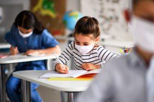 bambini mascherina scuola