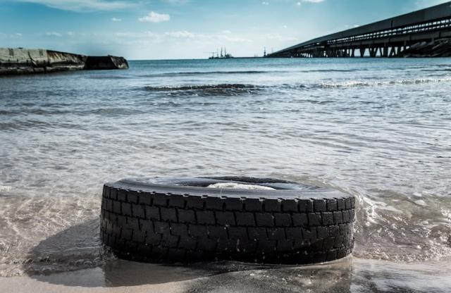 Ispra-rifiuti-spiaggiati