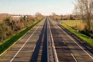 lockdown-autostrada-deserta