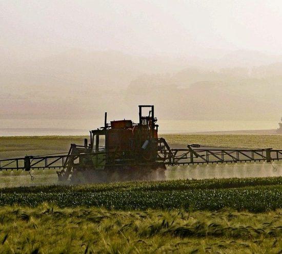 pesticidi-campi-spargimento