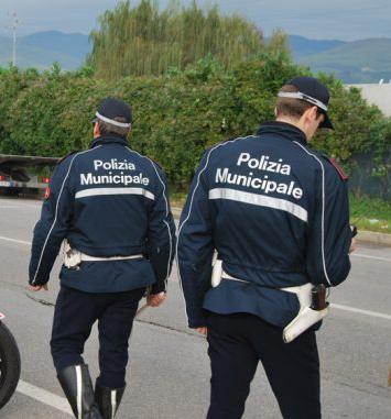 polizia Municipale di Montemurlo parto. Sacchetti di plastica fuori legge.