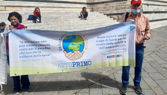 A Siena manifestazione contro l'aumento delle emissioni elettromagnetiche e il 5G. Toscana Ambiente