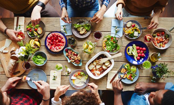Il cibo come rivoluzione culturale. Orizzonti e strategie per garantirne l'accesso universale.